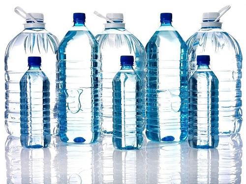 Nước uống đóng bình là bạn của mọi gia đình