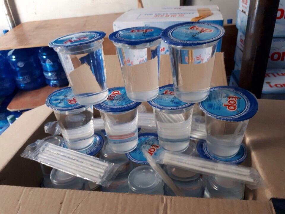 Nước suối ly TOP 240ml (Hộp 48 ly có kèm theo ống hút)